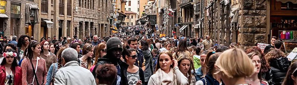 Florence tourist crowds. Photo: Franco Ubaldo